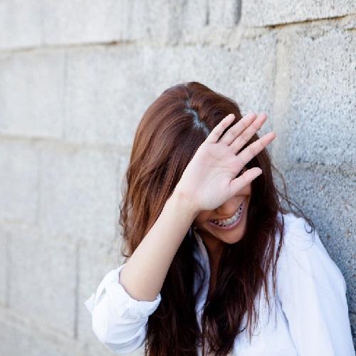 خجالت و کمرویی چیست و چگونه درمان می شود؟